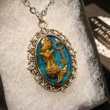 Small Mermaid with Tiny Key Necklace - Blue Glitter (1927)
