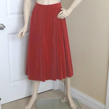 1970s Vintage Cranberry Mauve Velvet Skirt by Intuitions, Sz 10, Cotton Rayon Blend, Front Pleats, Pockets, Vintage Clothing, 1970s Fashion