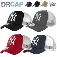 NEW ERA TRUCKER MBL TEAMS NEW YORK NY YANKEES SNAPBACK ADJUSTABLE BASEBALL CAPS