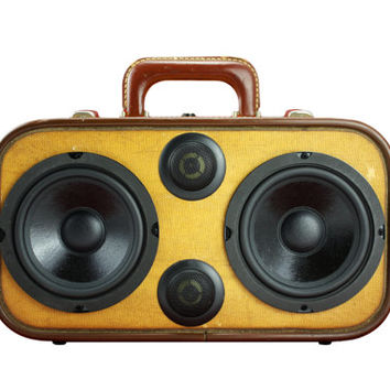"1940s Wheary ""Bumper"" Bluetooth Portable Boombox Speaker"