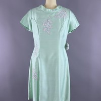 Vintage 1960s Day Dress / Pastel Mint Green