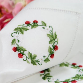 Set 12 Christmas Holiday Wreath White Linen Napkins Serviettes Christmas Holiday Wreath Strawberries19x19inch