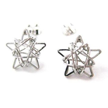 Unique 3D Star Shaped Wire Wrapped Stud Earrings in Silver