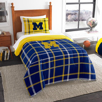 Michigan Wolverines NCAA Twin Comforter Set (Soft & Cozy) (64 x 86)