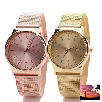 Fashion Womens Classic Gold Quartz Stainless Steel Wrist Watch Montre-bracelet à quartz en acier inox