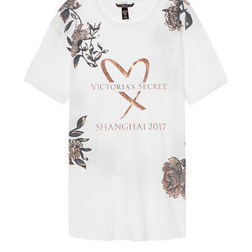 Fashion Show 2017 Tee - Victoria's Secret
