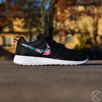 Custom Hand Painted Hawaiian Floral Womens Roshes Nike Rosherun Shoes