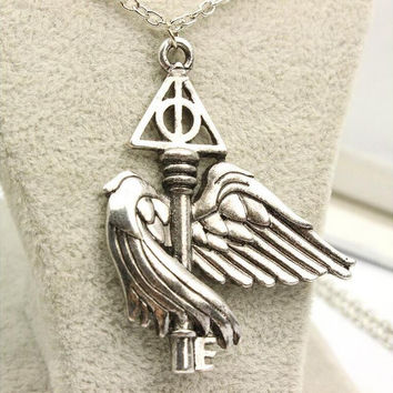 European and American movie peripheral accessories Harry potter deathly hallows flying wing key necklace