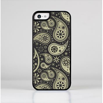 The Black & Vintage Green Paisley Skin-Sert Case for the Apple iPhone 5c