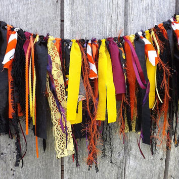 Halloween Garland, Fun Fur and Fabric, 3 Ft Party Decoration, Party Photo Prop Backdrop, Autumn Display
