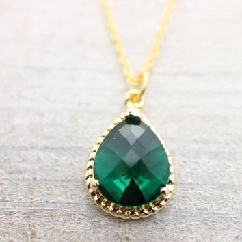 Green glass gold necklace