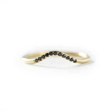 Black Diamond Curved Wedding Band, Stackable Dainty 14k Solid Gold Ring, Simple Black Diamond Wedding Ring
