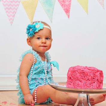 Girls cake smash outfit. Aqua lace romper. Baby girl 1st birthday outfit. Romper set. Petti romper set.First birthday outfit.2nd birthday