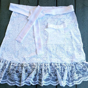 White Lace Apron, Tea Party Hostess gift, Bridal Shower Apron, White Half apron with Pocket Wedding Dance Apron, Decorative Lace Apron