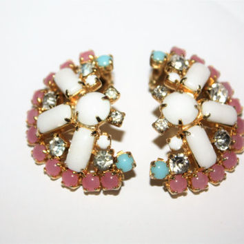 Vintage Hobe Earrings, Milk Glass Cluster Earrings, Clip On Earrings, 1950s Jewelry Designer Dangle