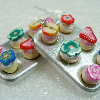 Muffin Pan / cupcakes Earrings. Polymer Clay.