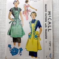 Vintage Pattern McCall 1557 Apron 1950s 1950 Bib Hostess Morning Glory