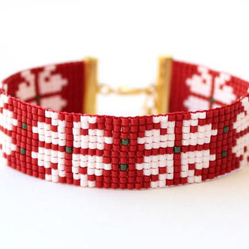Christmas gift, snowflake bracelet, miyuki bracelet, cuff bracelet, red and white, beads bracelet, best friend gift, birthday gift