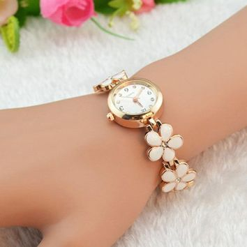 Domire Women Girl Chic Fashion Daisies Flower Rose Golden Bracelet Wrist Watches - Pink