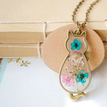 Fashion New Jewelry Women Romantic Cat Shape Glass Locket Dried Flower Plant Pendant Chain Necklace For Girls Christmas Gift
