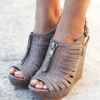 Saucin Gray Wedges