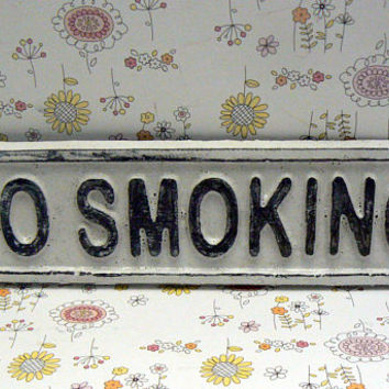 No Smoking Cast Iron Shabby Style Chic Sign Classic White Wall Door Cottage Chic Entryway Sign for Home Office Business Store or Shop Plaque
