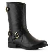 The Enngagebootie by Steve Madden will certainly have and keep your attention. This stylish classically cut boot is sleek and chic with its buckle detailing and smooth leather this is more than a boot, its an investment.