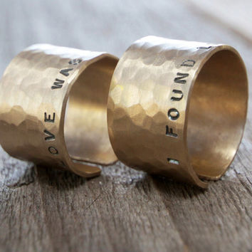 Valentine's Day Couples Rings For Him & Her Rustic Hammered Unique Wedding Gold Rings with Personalized Phrase Men and Women Jewelry