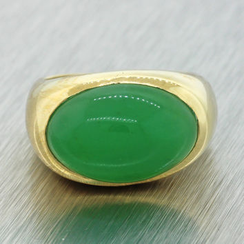 Vintage Solid 14K Solid Yellow Gold Oval Jade Cocktail Ring Size 5.25