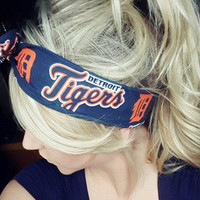 Detroit Tigers Dolly Bow