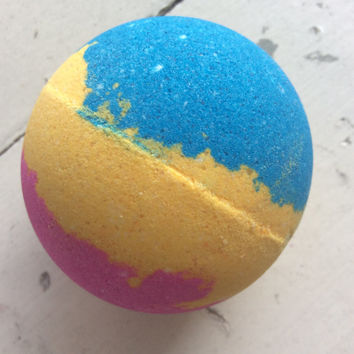 Giraffy Taffy Tubby Tornado™ Bath bomb color changing