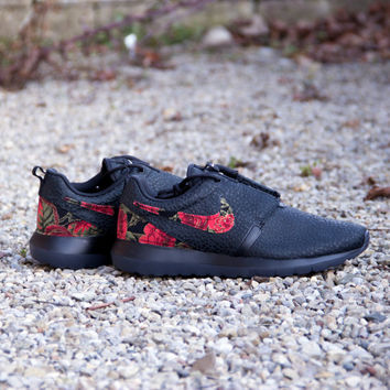 Nike Roshe Run Allblack | Red Leopard