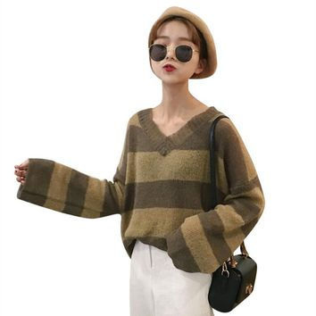 Autumn and winter women Korean College College wind loose color stripe v collar sets of sweaters