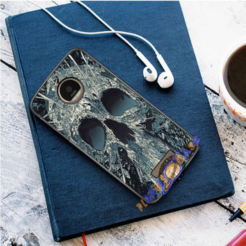Abstract Skulls Artwork Motorola Moto Z case Planetscase.com