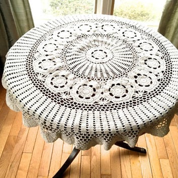 "Round Crochet Tablecloth,39"" Diameter Doily,Pale Cream Crocheted Doily,Small Round Tablecloth,Vintage Doily, or Table Topper,Wedding Linens"
