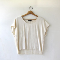 20% OFF SALE vintage boxy cream - white blouse. loose fit shirt. cropped minimalist top + cap sleeves.