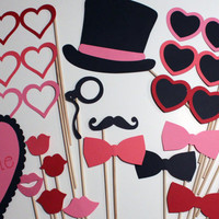 Best Valentine's Day Photo Booth Props - Awesome Props for a Special Valentine's Day