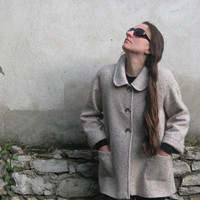 FREE SHIPPING! Beige short wool coat, strikes a winning balance between modern and classic style, straight silhouette, three-quarter sleeve.