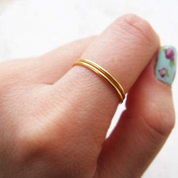 Thin gold ring//gold filled ring, gold ring band, gold stacking ring, band ring, dainty ring, gold midi ring, promise ring,minimalist,chic