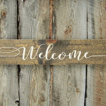 Welcome Arrow Sign - Cursive