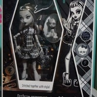 Monster High Exclusive Black & White Frankie Stein Doll 5,000 Made