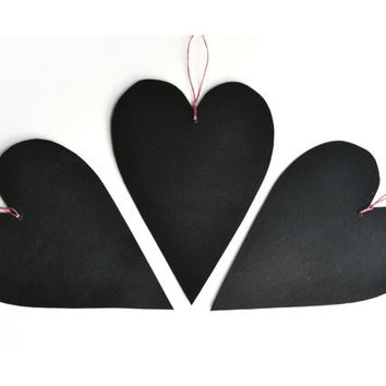Set of 3 black hearts chalkboards made of cardboard and blackboard paint - Valentine's Day ornaments