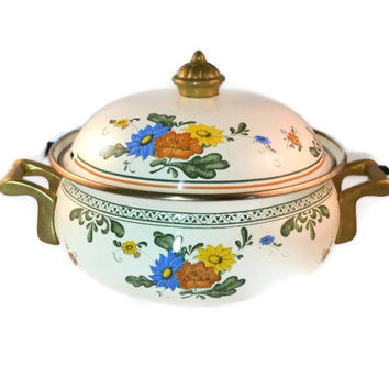 Beautiful Vintage Enamelware Casserole Dish, Flower Design Casserole, Kitchenware Baking Dish or Casserole Pot