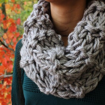 Heather Grey Chunky Knitted Circle Scarf with Double Knit Loop Pattern - Cowl Neck Single Loop Scarf, Cozy Silver Neck Warmer