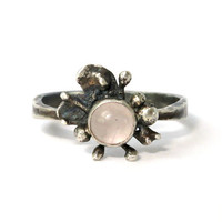 Flower sterling ring with rose quartz