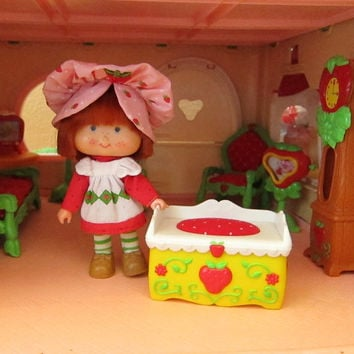 Toy Chest for Strawberry Shortcake Vintage Berry Happy Home Dollhouse Toybox Fun Room Furniture