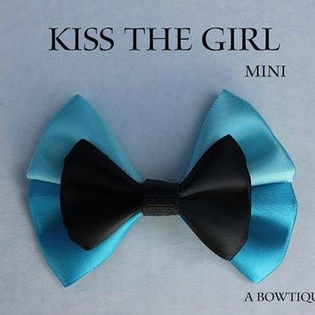 kiss the girl mini hair bow