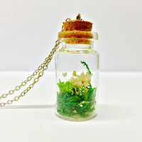 Terrarium Necklace, Dried Flower Necklace, Plant Jewelry, Terrarium Jewelry, Floral Necklace, Real Moss, Dried Flowers, Glass Bottle