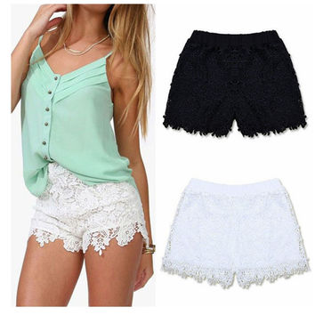 Women Sexy Lace Shorts 2016 Summer Fashion Cotton Floral Lace Crochet Mini Shorts Leisure Short Trousers Plus Size S-XXXL