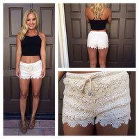 Floral Swirl Crochet Shorts - CREAM